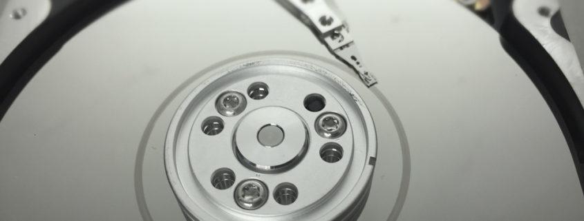 PrinceLAB: esempio di Head Crash con piatto dell'Hard Disk rovinato